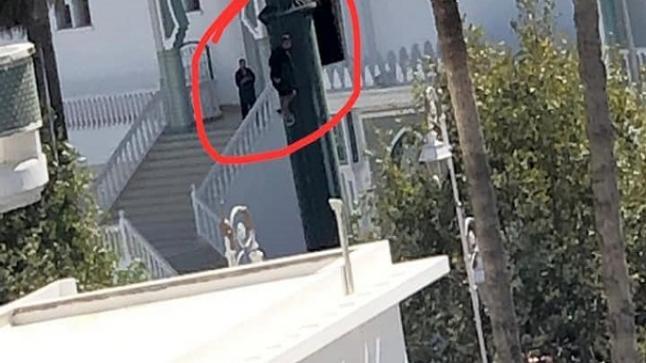 محاولة انتحار تلميذ من أعلى عمود كهربائي بتطوان