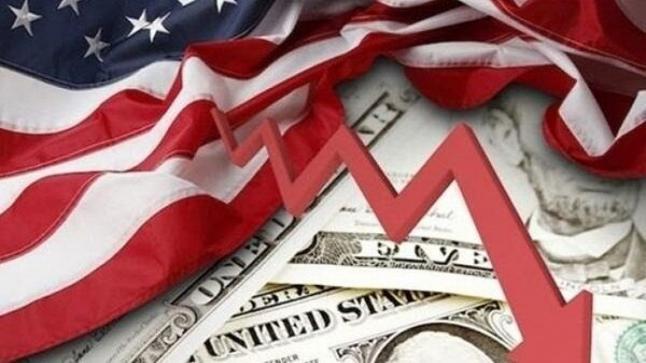 أمريكا تدخل في ركود اقتصادي بعد فصلين متتاليين من تراجع النمو 