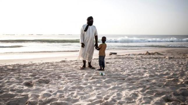 كورونا موريتانيا.. عودة إلى اللثام وهروب إلى الصحراء