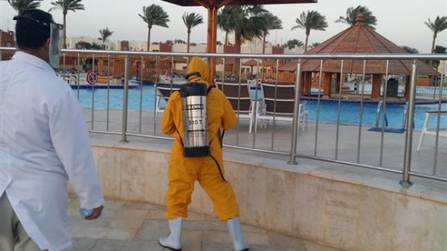 """وزير الداخلية يحذر من تأثير """"البؤر السياحية"""" على صورة المغرب كوجهة سياحية آمنة ويسمح للفنادق بفتح المسابح وتتجه لتمديد ساعات عمل المطاعم"""