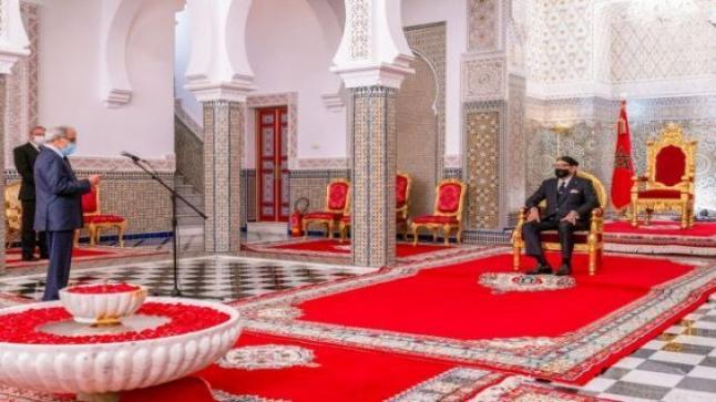 وضعية الاقتصاد المغربي.. والي بنك المغرب يقدم تقريرا مفصلا لمحمد السادس