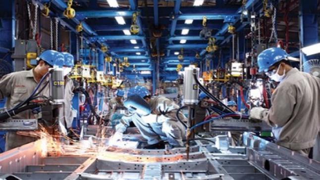 تفاصيل اللجوء إلى الاستثمارات الوطنية لإنقاذ الصناعة المغربية