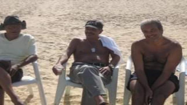 الأمير هشام العلوي ينشر صورة نادرة مع الجامعي وحسني في شاطئ المضيق