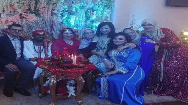 بعد العفو الملكي.. هاجر الريسوني تحتفل بزفافها