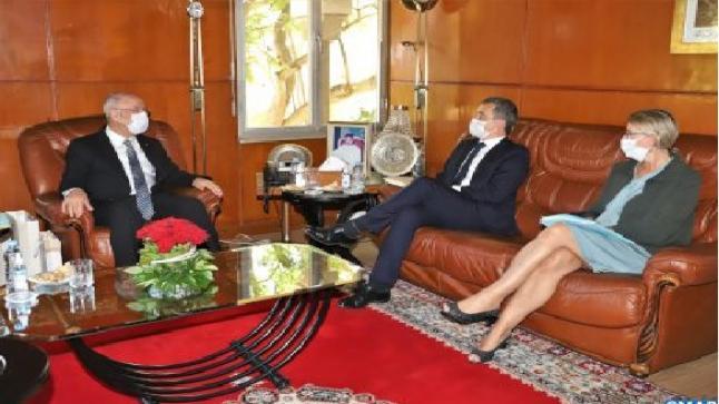 السيد التوفيق يتباحث مع وزير الداخلية الفرنسي