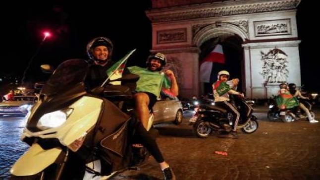 """فرحة الجزائريين بوصول """" الأفناك """" إلى نهائي الكان تُنغصُ احتفالات فرنسا بعيدها الوطني"""