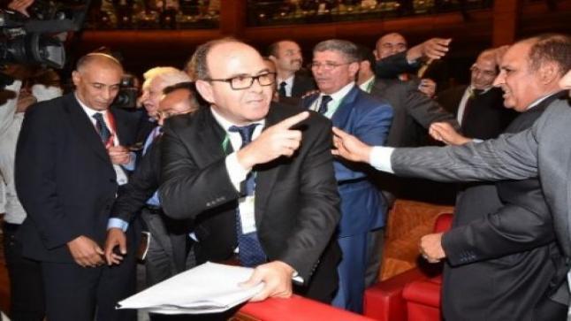 """بنشماش يفقد سيطرته على الفريقين البرلمانيين لـ""""البام"""" وحبل الإقالة يلتف حول عنق أبودرار"""