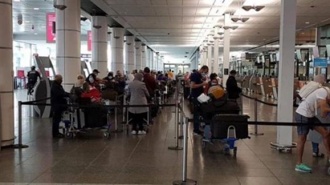 المغاربة العالقون بالخارج.. تفاصيل وصول أزيد من 300 مواطن مغربي عائدا من كندا إلى مطار أكادير المسيرة