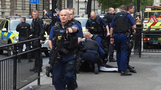 إجراءات أمنية مشددة في فرنسا تحسباً للمشجعين الجزائريين والتونسيين