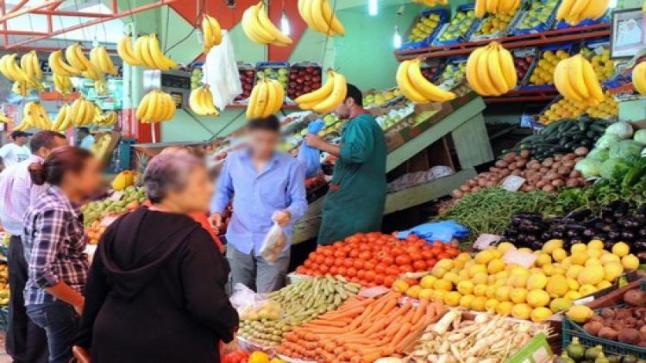 عملية تزويد السوق الوطني بكل أنواع الفواكه تمر في ظروف عادية (فدرالية)