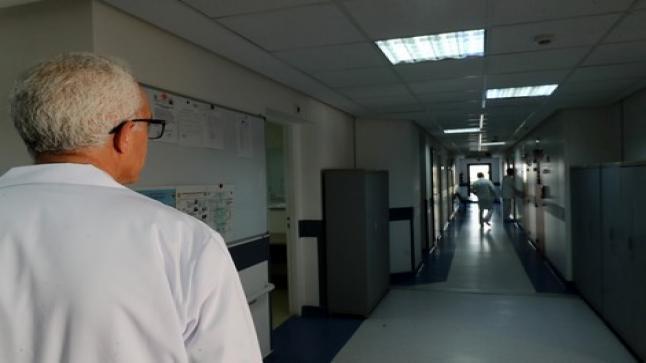 فتح تحقيق بشأن طبيب أصيب بفيروس كورونا بتطوان لم يلتزم بقواعد الحماية من انشار الفيروس
